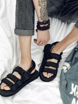รองเท้าแตะแบบสวมเกาหลี สีดำ แต่งสายรัดข้อ ดีไซน์เส้นคาด