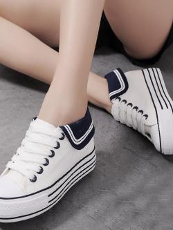 Pre Order รองเท้าผ้าใบแฟชั่นเกาหลี ดีไซน์ข้อเท้าเป็นแบบคอเสื้อ แต่งลายสมอ คลาสสิกมาก มี3สี