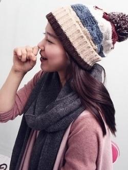 หมวกกันหนาวเกาหลี ไหมพรมบิดถัก สีตามรูป แต่งแถบสี แต่งปลายหมวก สไตล์โมเดิร์น