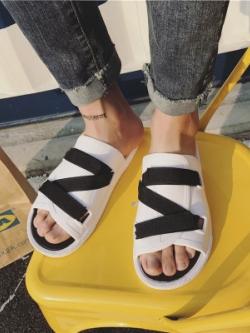 รองเท้าแตะแบบสวมเกาหลี แต่งสายคาดไขว้ มี2สี