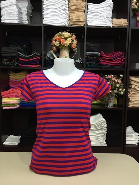 """เสื้อยืดคอวี ลายริ้วสีแดง-ม่วง size """"M"""""""