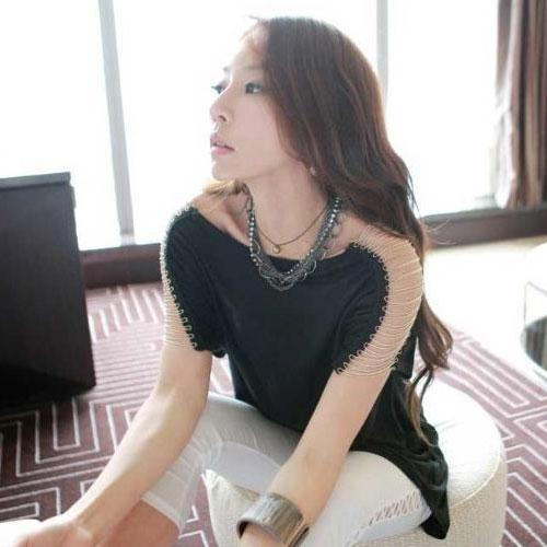 TOTO ++สินค้าพร้อมส่งค่ะ++ ชุดเสื้อตัวยาวเกาหลี แขนเต่อ ดีไซด์เปิดไหล่ แต่งสร้อยเกี่ยวระหว่างเสื้อชิ้นหน้ากับหลัง – สีดำ