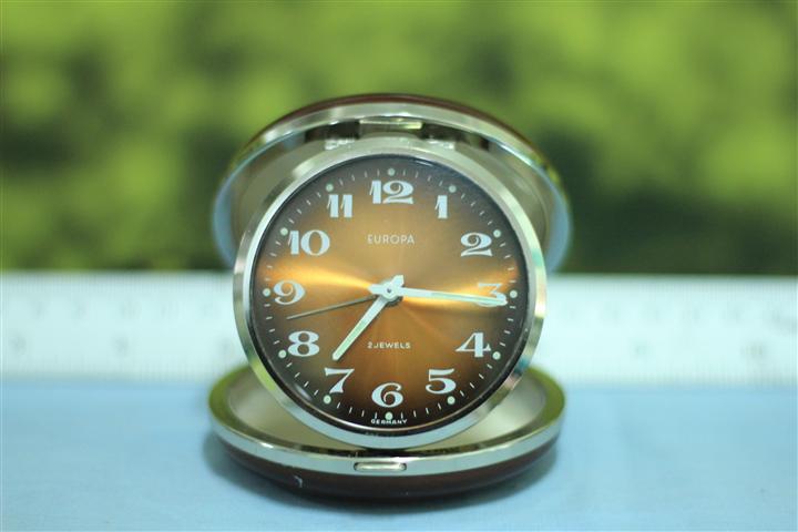 T0646 นาฬิกาปลุกเยอรมันโบราณ EUROPA ส่ง EMS ฟรี