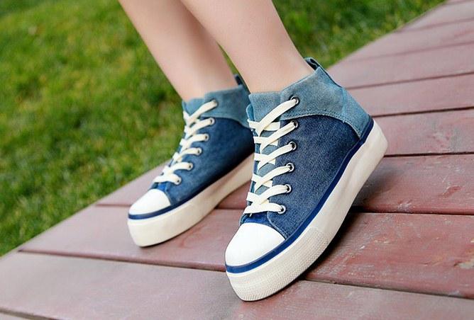 Pre Order - รองเท้าผ้าใบแฟชั่น ลำลอง ผ้ายีนส์ สไตล์ลุย ๆ สี : สีแดง / สีฟ้า / สีเขียว