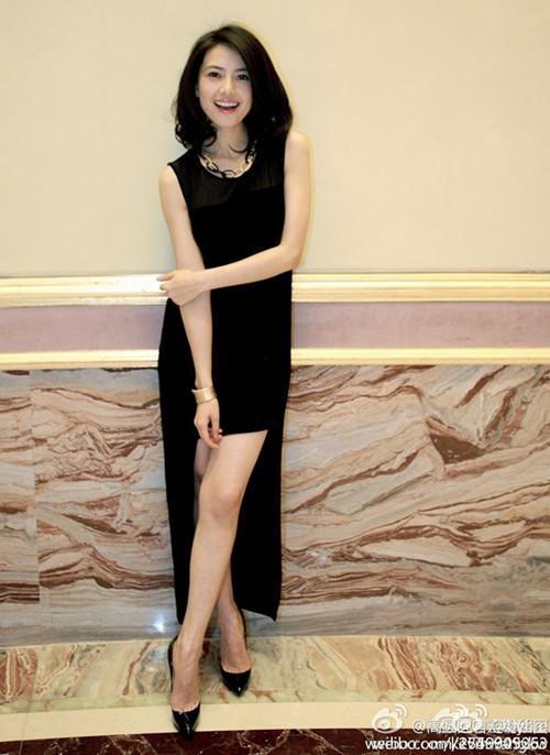 Miss Lily*สินค้าพร้อมส่งค่ะ*ชุดเดรส แขนกุด ดีไซด์เก๋ ช่วงปลายเดรส โชว์ด้านหน้า หลังยาว เดรปไปอีกด้าน – สีดำ (Size: S)