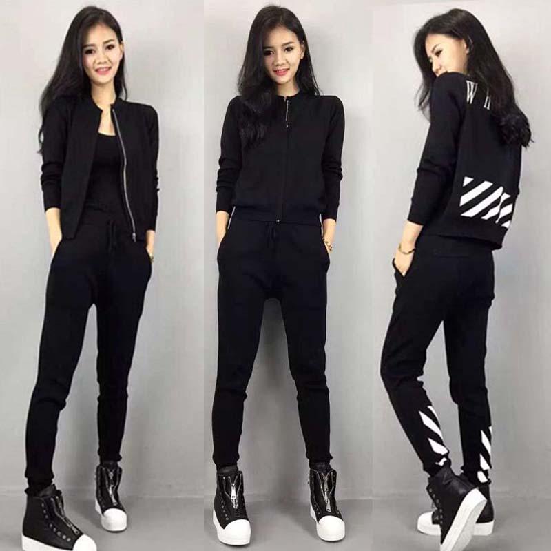 ชุดวอร์มกีฬาเกาหลีสีดำ เซตเสื้อแจ๊กเก็ตแขนยาวรูดซิปสกรีนแถบด้านหลังและกางเกงขายาวเชือกรูดที่เอว
