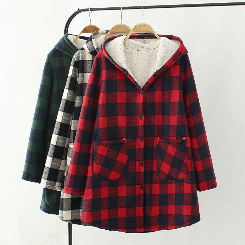 PreOrderคนอ้วน - เสื้อกันหนาวแฟชั่น ผ้าฝ้ายลายสก๊อต บุขนสัตว์ด้านใน มีHood สี : ดำ / แดง / เขียว