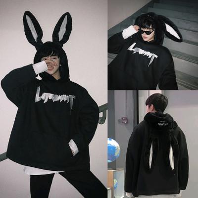 เสื้อฮู้ดแจ็คเก็ตสีดำ แต่งฮู้ดกระต่าย แนวอินเทรนด์