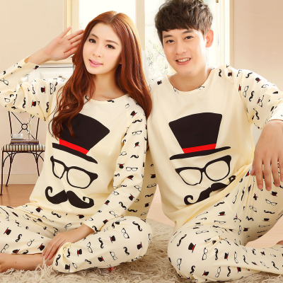 Pre Order ชุดนอนคู่รักแฟชั่นเกาหลี เสื้อคอกลมแขนยาว พิมพ์ลายคนรักหนวด สีเบจ