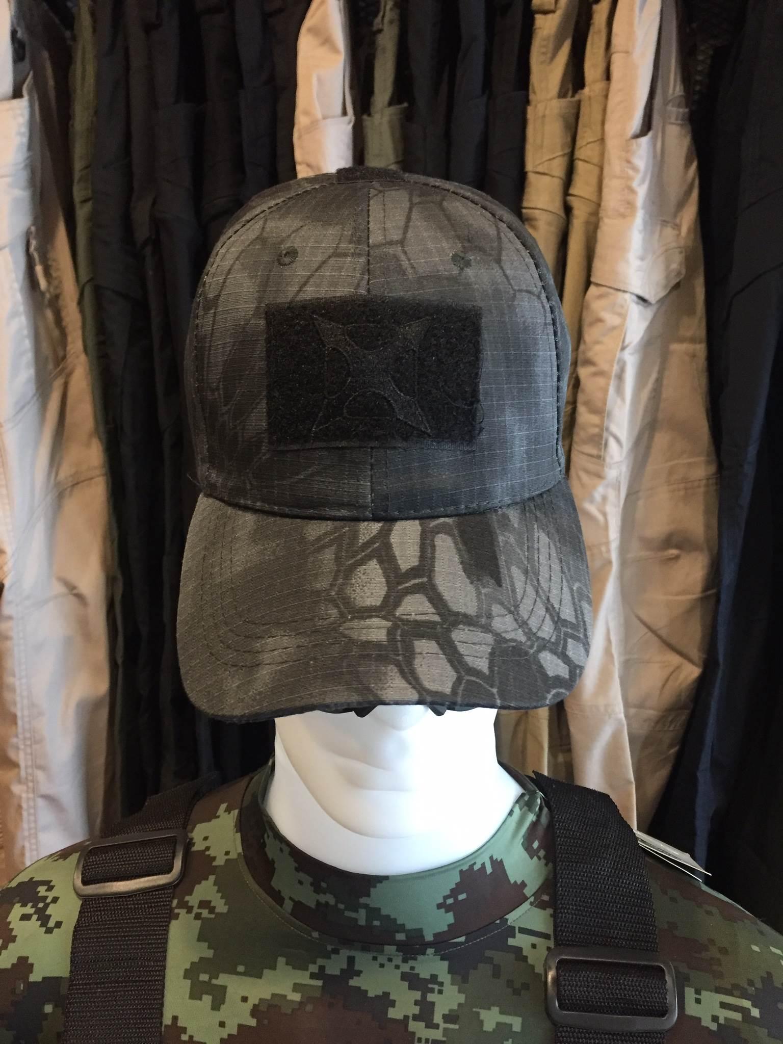 หมวกแก็ปลายงู X