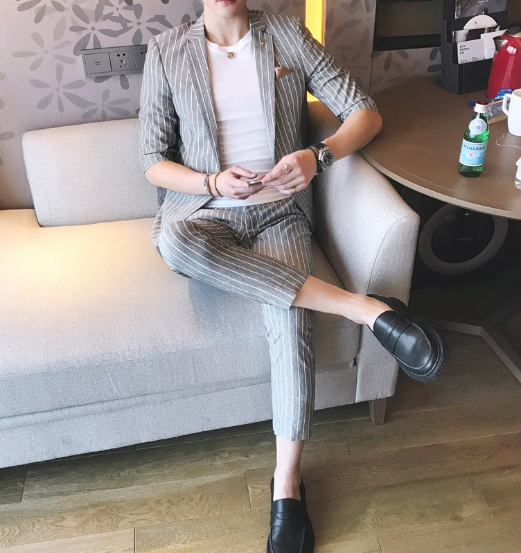 Pre Order ชุดสูทเกาหลี เสื้อแขนสามส่วนลายทาง+กางเกงขาเก้าส่วน มี3สี