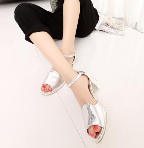 Pre Order - รองเท้าแฟชั่นเกาหลี หัวปลา แต่งเพชร ส้นสูง 2 นิ้ว สี : สีชมพู / สีเงิน / สีขาว