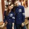 Pre Order เสื้อเชิ้ตคู่รักเทรนด์เกาหลี แขนยาวแต่งแถบคาด สกรีนลายด้านหลัง มี2สี