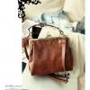 (พรีออเดอร์) กระเป๋าแฟชั่น แนวย้อนยุค กระเป๋าถือและสะพาย สีขาว และ สีน้ำตาล
