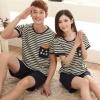 Pre Order ชุดนอนคู่รักเกาหลี เสื้อแขนสั้นคอกลม ลายขวาง แต่งลายที่กระเป๋า+กางเกงขาสั้น