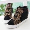Pre Order รองเท้าผ้าใบผู้หญิงแฟชั่น แต่งลายเสือดาว เทรนด์เกาหลี เพิ่มส้นสูงด้านใน มี3สี