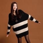 Pre Order - เสื้อกันหนาวแฟชั่นเกาหลี มินิเดรส คอวี ทรงค้างคาว ลายม้าลาย : สีดำ-เบจ / สีขาว-ดำ