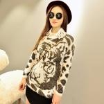 Pre Order - เสื้อกันหนาวแฟชั่นเกาหลี ผ้ากำมะหยี่ขนนุ่ม ลายเสือ สีขาว-ครีม