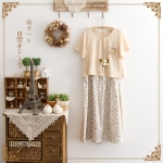 [ พร้อมส่ง] เดรส 2 ชิ้น กระโปรงเป็นผ้าฝ้ายลายดอก ตัวเสื้อเป็นเสื้อยืดสีเหลือง size L