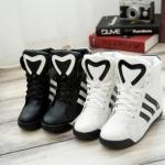 Pre Order รองเท้าผ้าใบผู้หญิงเกาหลี เพิ่มส้นสูงด้านใน ดีไซน์คลาสสิก มี2สี