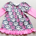 GSH-513 (18M,24M) เสื้อ Lebe & Specialty Baby สีเทาตัดต่อ ลายหัวใจสีชมพู-ขาว จับสม็อคดึงยางบ่าหน้า-บ่าหลัง