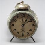 U777 นาฬิกาปลูกโบราณ เดินดีปลุกดี ส่ง EMS ฟรี