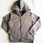 BSH-123 (5-6Y) เสื้อกันหนาว Jordan สีเทาเข้ม ปักแบรนด์ Jordan สีเขียวใบตอง ด้านในบุขนแกะแท้ 100% สีเทาเข้ม