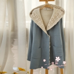 Pre Order - เสื้อกันหนาวแฟชั่น ผ้าหนา ผ้าลูกไม้รอบคอและหมวก สี : สีฟ้า / สีดำ