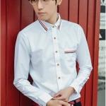 Pre Order เสื้อเชิ้ตสีขาวผู้ชายแฟชั่นเกาหลี แขนยาวคอปก คอและกระเป๋าแต่งแถบสี