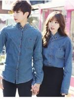 Pre Order เสื้อเชิ้ตยีนส์คู่รักสไตล์เกาหลี เสื้อแขนยาวคอปก แต่งกระดุมสี มีกระเป๋าด้านหน้า สีตามรูป