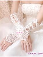 ปลอกแขนแบบโบว์ สีขาวและสีครีม น่ารักมากๆ ค่ะ