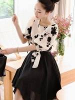 ชุดเซ็ทสีขาว/ดำ เสื้อคอกลมฉลุลายดอกไม้ ผูกแขนน่ารัก+กระโปรงบานสวย+เข็มขัด