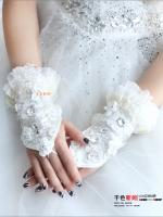 ถุงมือเจ้าสาว ดอกโบตั๋นประดับลูกไม้และจิวเวลรี่