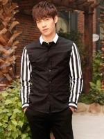 Pre Order เสื้อเชิ้ตชายแฟชั่นเกาหลี แขนยาวคอปก แต่งแขนลายทาง มี2สี