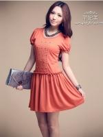 Qian Fei Mei *พร้อมส่ง* เดรสผ้ายืด เนื้อนุ่มไซส์ใหญ่ แขนตุ๊กตาสีส้ม แต่งเกล็ดด้านหน้าด้วยลูกไม้แบบโครเชย์ถักสวยหวาน แต่งระบายเอวติดยางยืดหลวมๆจ้า