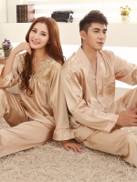 Pre Order ชุดนอนคู่รักแฟชั่น สไตล์เกาหลี เซ็ทเสื้อแขนยาว+กางเกงขายาว สีตามรูป