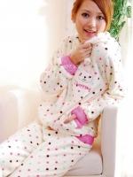 Pre Order ชุดนอนผู้หญิง ผ้ากำมะหยี่ลายจุด กระต่ายน้อยน่ารัก สีตามรูป