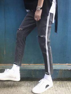 กางเกงขายาวเกาหลี แต่งแถบเส้นด้านข้าง แนวขาดๆเซอร์ๆ มี3สี