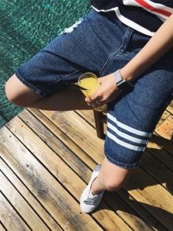 กางเกงยีนส์ขาสั้นเกาหลี สีน้ำเงิน แถบเส้นคาด แต่งรอยปะ