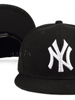 หมวกฮิปฮอป เป็นหมวกแก็ปทรงสูง พิมพ์ลายด้านหน้าหมวก <มี2สี>