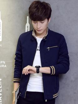 Pre Order เสื้อแจ็คเก็ตแฟชั่นเกาหลี แขนยาว คอปก แต่งกระเป๋าซิป ดีไซน์เท่ห์ มี4สี