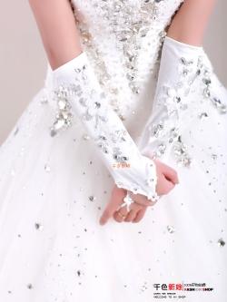 ถุงมือเจ้าสาว ประดับคริสตัลเป็นรูปดอกไม้ สวยหวาน น่ารักมากๆๆ
