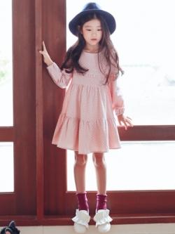 ชุดเดรสแขนยาวเด็กเกาหลี สีชมพู แต่งลายจุดทั้งตัว