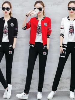 Pre Order ชุดวอร์มเกาหลี เซ็ท 3 ชิ้น เสื้อแจ็คเก็ตแขนยาวแต่งลาย+เสื้อยืด+กางเกงขายาว มี3สี