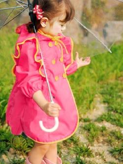 ชุดเด็กเป็นเสื้อกันฝนแฟชั่น มีฮู้ด ดีไซด์กระดุมด้านหน้า <มี2สี>