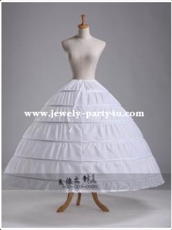 สุ่มชุดแต่งงาน เอวยางยืด มีเชือกผูกด้านหลัง สามารถลดและขยายความกว้างของเอวได้ค่ะ