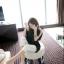 TOTO ++สินค้าพร้อมส่งค่ะ++ ชุดเสื้อตัวยาวเกาหลี แขนเต่อ ดีไซด์เปิดไหล่ แต่งสร้อยเกี่ยวระหว่างเสื้อชิ้นหน้ากับหลัง – สีดำ thumbnail 8