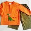 ฺBS-048 (3Y) ชุด Sears Baby เสื้อสีส้มสด ปักลายไดโนเสาร์ ตัดต่อแนวอก พร้อมกางเกงผ้าทอ สีกากี