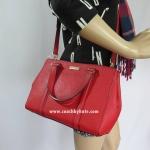 อยู่ USA : กระเป๋า COACH Small Loden Newbury Lane สีแดง