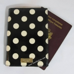 อยู่ USA : ที่ใส่ Passport Holder Kate Spade WLRU2110 Carlisle Street Black Cemn091